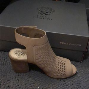 NWT never used Vince Camino block heel booties